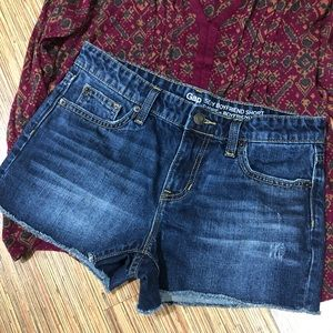 Gap Sexy Boyfriend Shorts 💙size 2/26